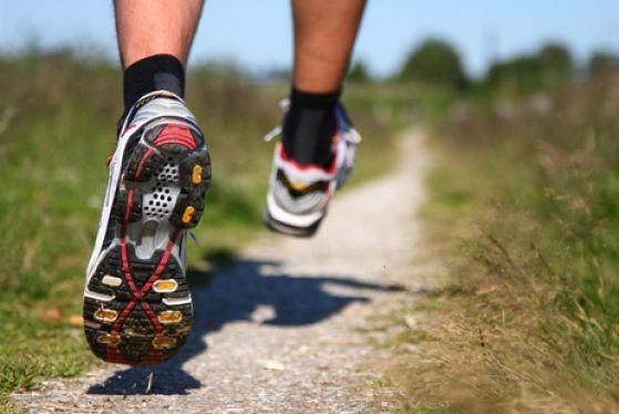 f72f20c3 Отталкивание — это способность кроссовки придавать дополнительный импульс  ноге за счет особого материала подошвы или дополнительных вставок в ней.
