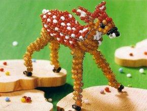 Объемный олень из бисера